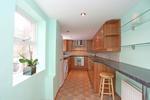 Kitchen (alternative view)