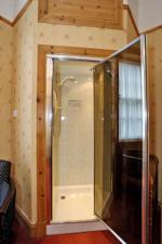 Room 1 En Suite Shower