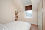 Bedroom - alternative view