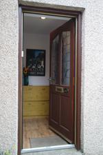 Door/Vestibule